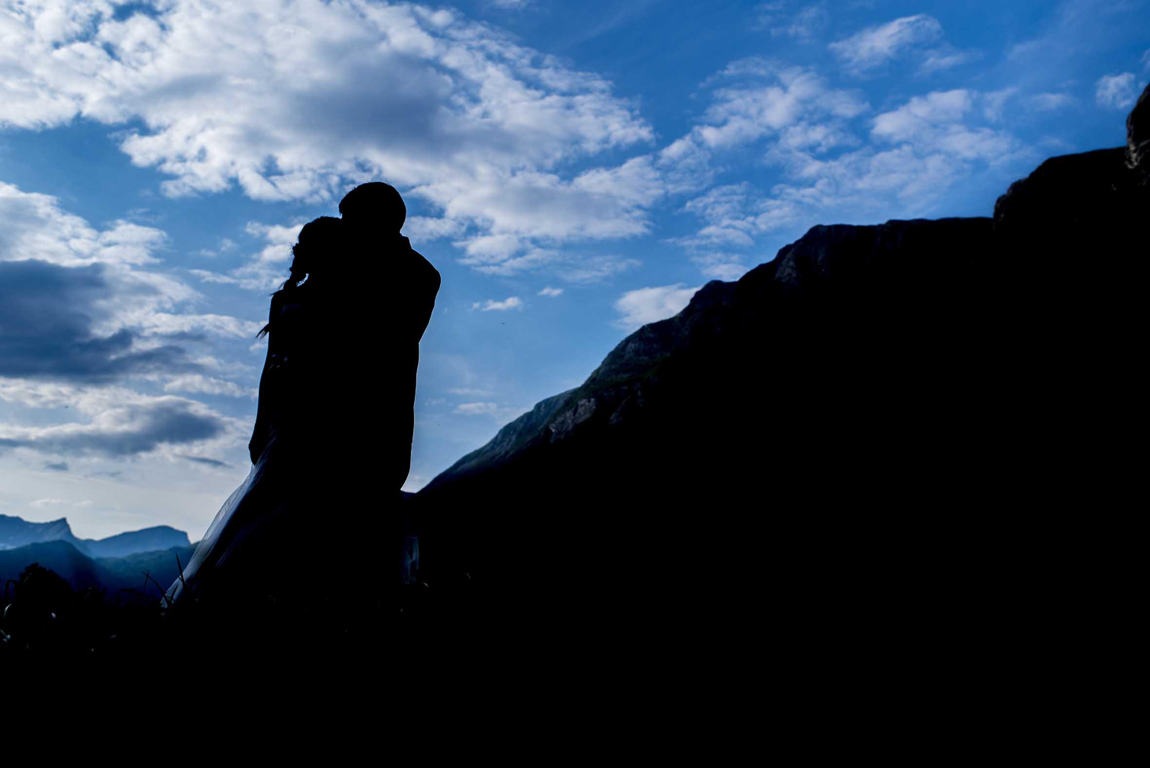 Blå himmel, bryllupsfotografering, Sunnmøre, kjærlighet