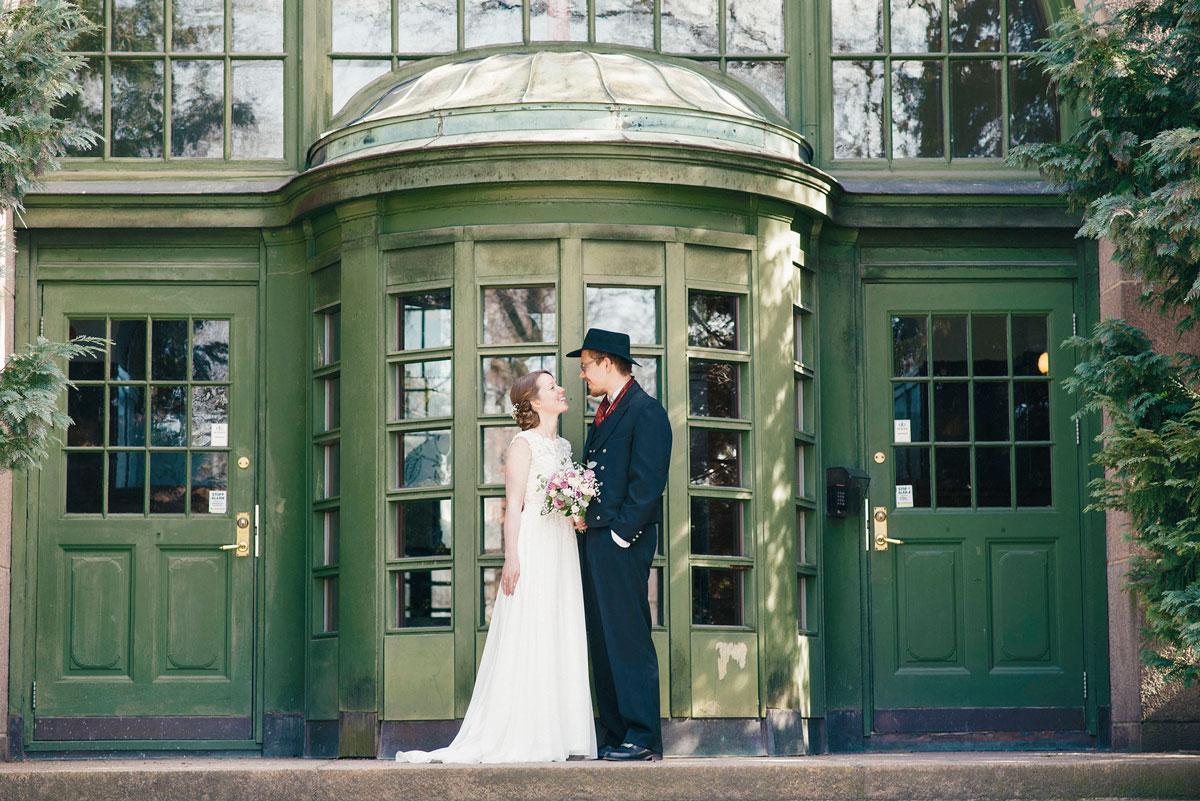 portrett av nygift par, tatt av bryllupsfotograf Oslo anbefaling