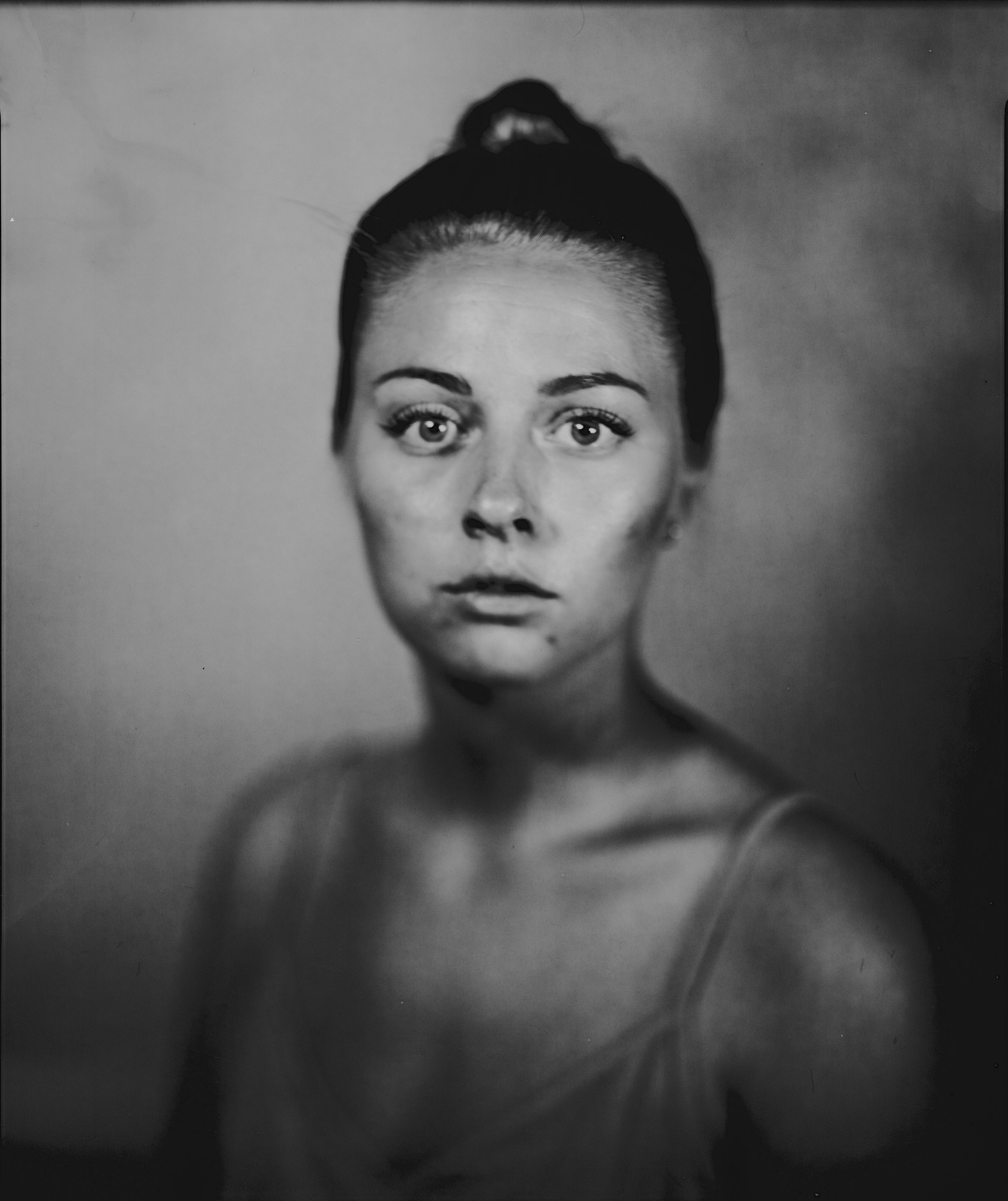 fotograf oslo tar et portrett av en ung kvinne