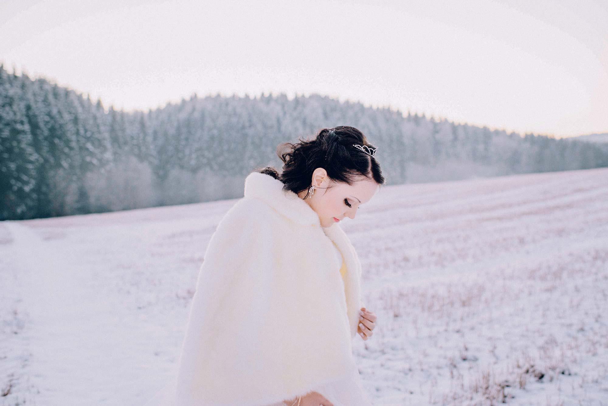 hvit brud fra et vinterbryllup